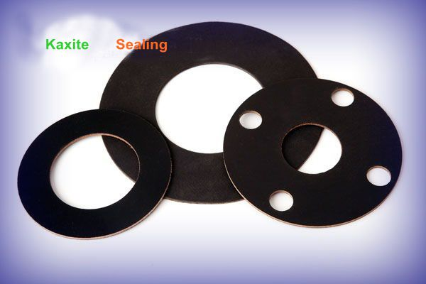 What are the properties of fluoroelastomer gaskets?
